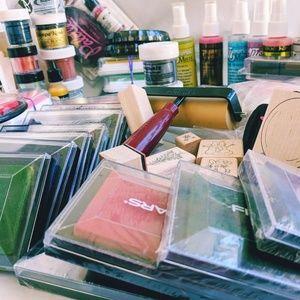 Huge Ink pad Lot ColorBox FISKARS CRYSTAL + stamps